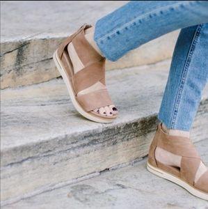 Eileen Fisher Sport-LT platform leather sandals